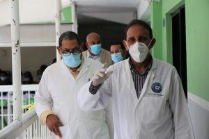 Director Hospital Gautier y Cruz Jiminián intercambian experiencias mejoras centros de salud